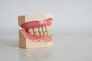 Dental artificial teeth